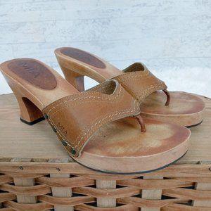 Vtg Mia Wood Kitten Heel Thong Leather Sandals